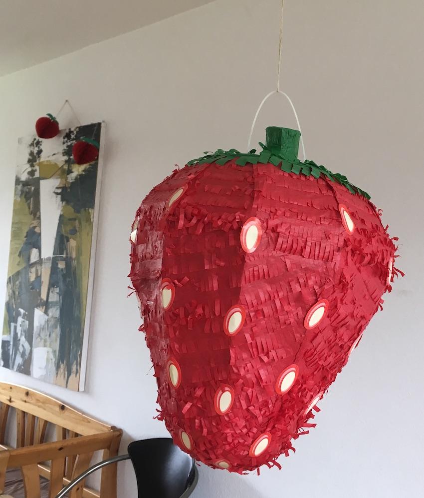 Erdbeerpinata